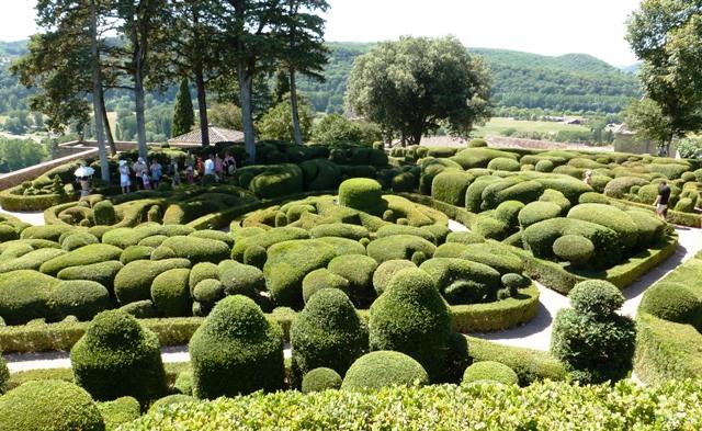 Les jardins suspendus de marqueyssac topiary gardens for Jardin suspendu