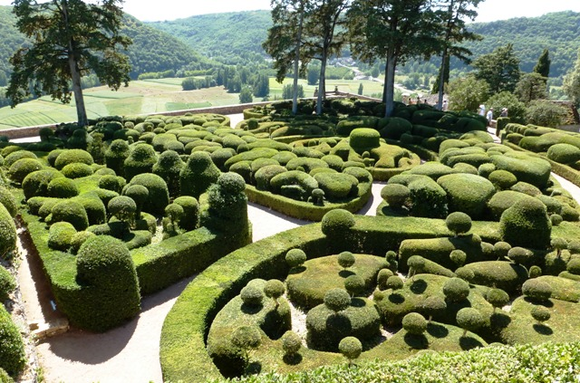 gardens of france les jardins suspendus de marqueyssac jardin perdu. Black Bedroom Furniture Sets. Home Design Ideas